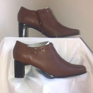 *AJ Valenci Womens Brown Leather Heels